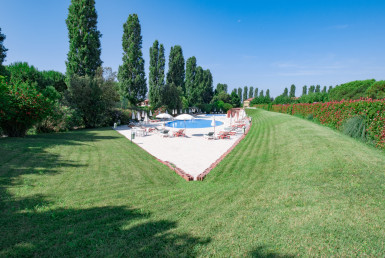 piscina appartamento vendita lignano golf